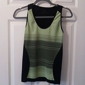 Work out top by 90 degree. Size S